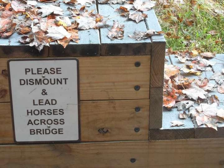 dismount station
